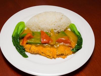 咖喱鸡排套餐饭